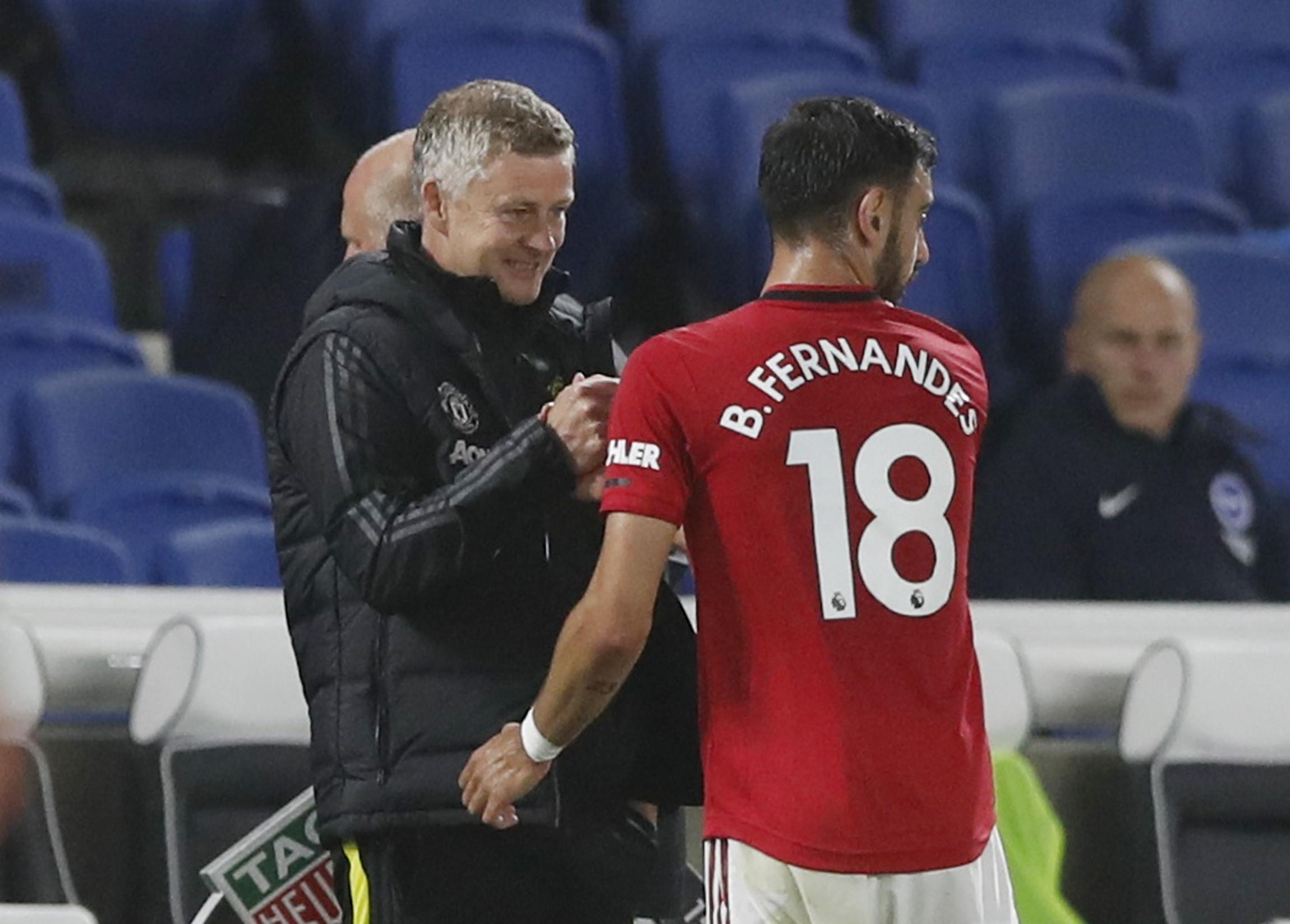 Solskjaer muốn Fernandes toả sáng hơn nữa, đóng vai trò quan trọng hơn nữa khi Man Utd vào mùa giải 2021-2022. Ảnh: Reuters