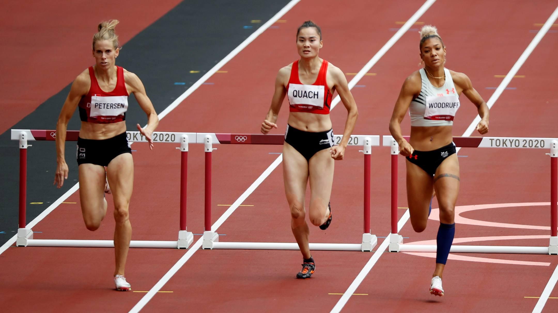 Quách Thị Lan (giữa) đang là đương kim vô địch châu Á và Asiad ở 400m rào. Ảnh: Reuters