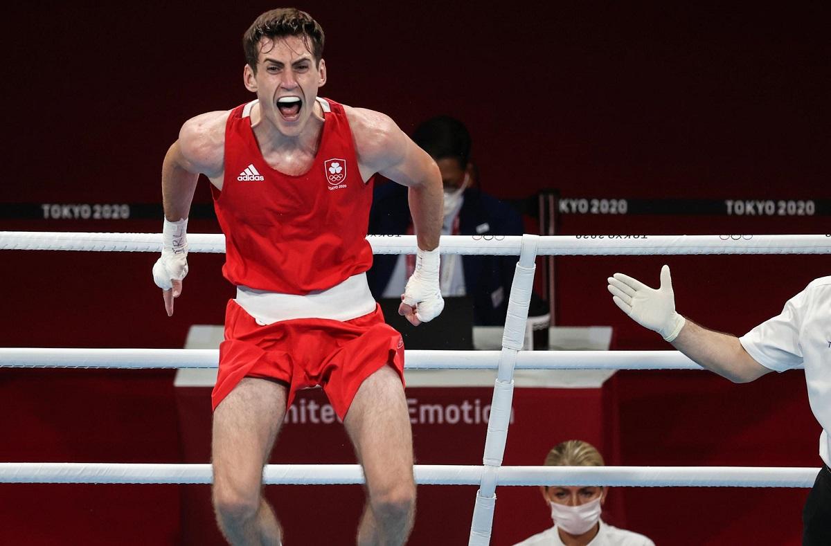 Walsh từng vô địch Đại hội Thể thao trẻ khối Thịnh vượng chung năm 2015 khi mới 17 tuổi.