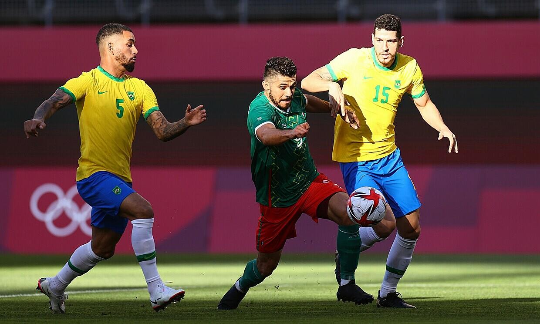 Mexico gây ra nhiều khó khăn cho Brazil nhưng lại quá non ở loạt luân lưu. Ảnh: AFP.