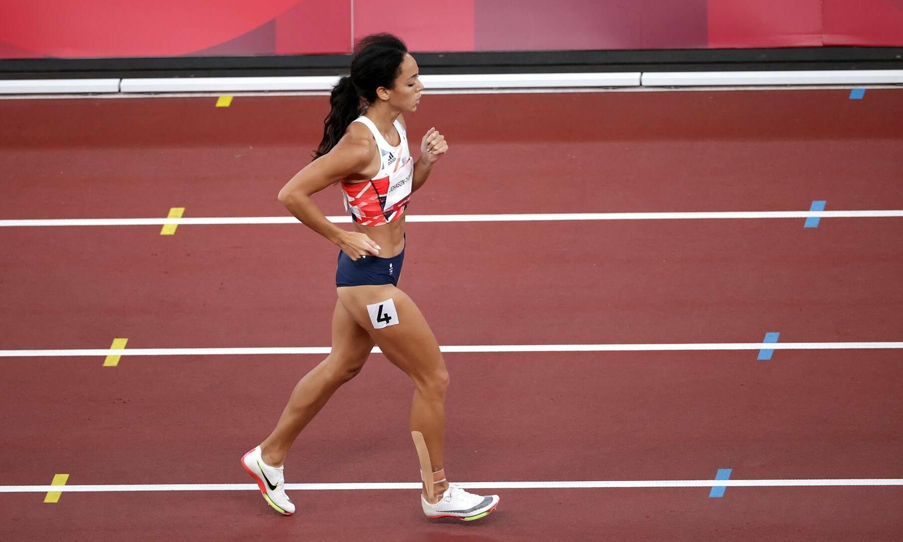 Johnson-Thompson là đương kim vô địch thế giới và được kỳ vọng đoạt HC vàng bảy môn phối hợp về cho Anh, nhưng chấn thương khiến cô gần như không còn cơ hội này. Ảnh: Reuters