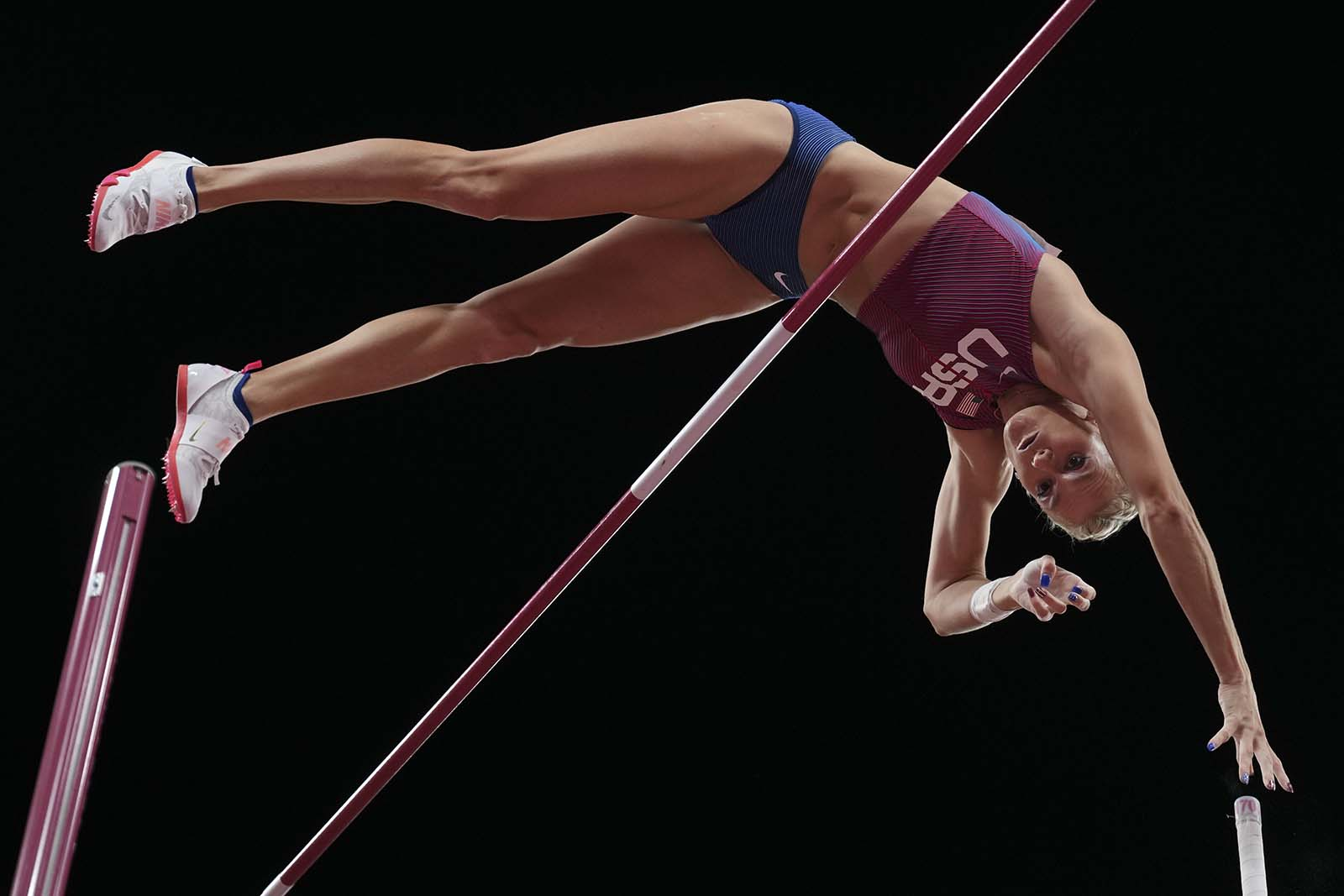 Nageotte when conquering the bar of 4.9 meters to win a gold medal on the evening of August 5.  Photo: AP