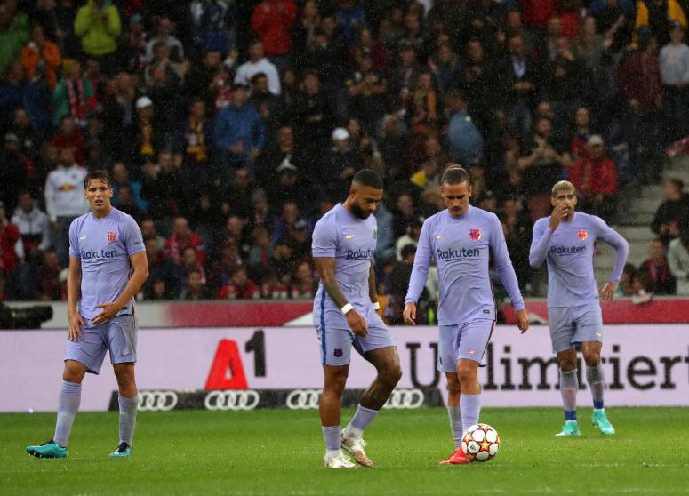 Barca đánh mất nhịp thi đấu quen thuộc trên sân Red Bull Arena. Ảnh: MD.