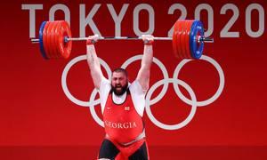 Đô cử 177 kg lập ba kỷ lục thế giới