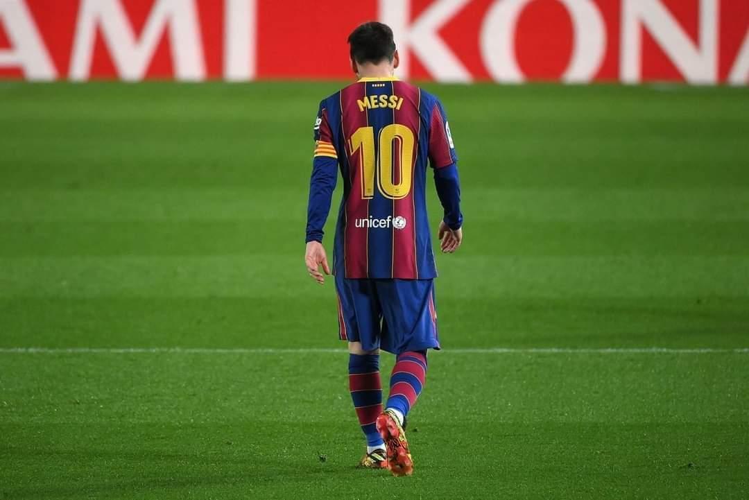 Messi được cho là đang rất thất vọng vì không thể ký hợp đồng với Barca. Ảnh: AFP
