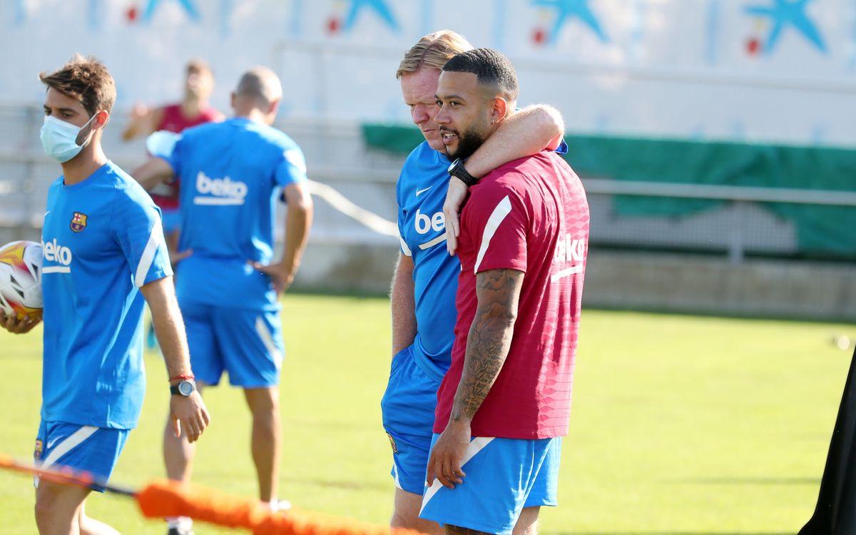 Depay nhiều khả năng sẽ được xếp đá trung phong, vì là mẫu cầu thủ ưa thích thật sự của HLV Koeman. Ảnh: FC Barcelona