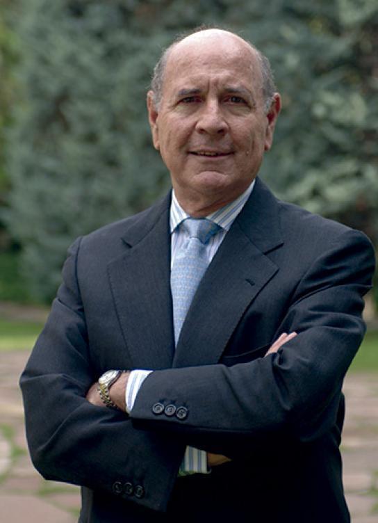 Llopis เป็นศาสตราจารย์ด้านเศรษฐศาสตร์ที่มหาวิทยาลัย Navarra ประเทศสเปน  ภาพ: IESE