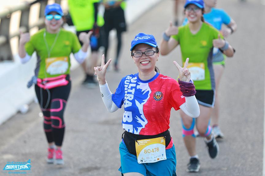 Runner on the track running VM Quy Nhon 2020. Photo: VnExpress Marathon