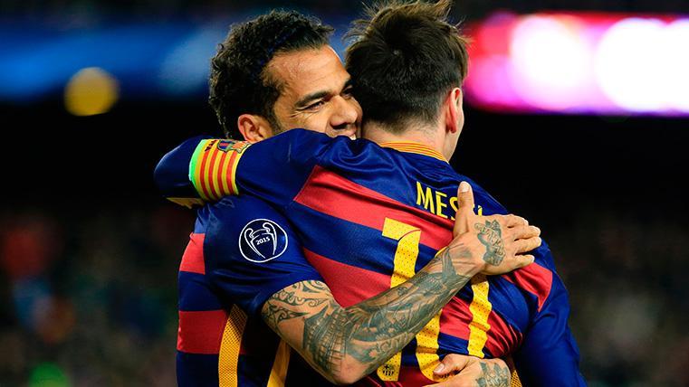 Alves và Messi đã cùng nhau giành sáu La Liga và ba Champions League. Ảnh: Reuters.