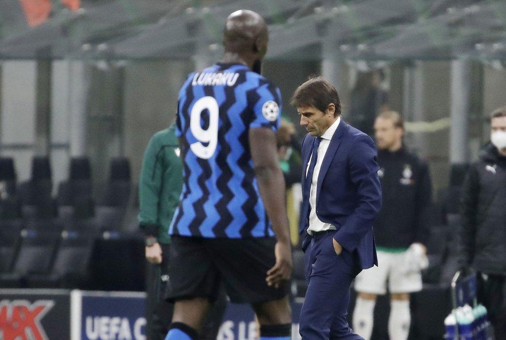 Việc Lukaku rời đi được dự báo sau khi Conte chia tay vì bất đồng quan điểm xây dựng lực lượng với ban lãnh đạo. Ảnh: AP
