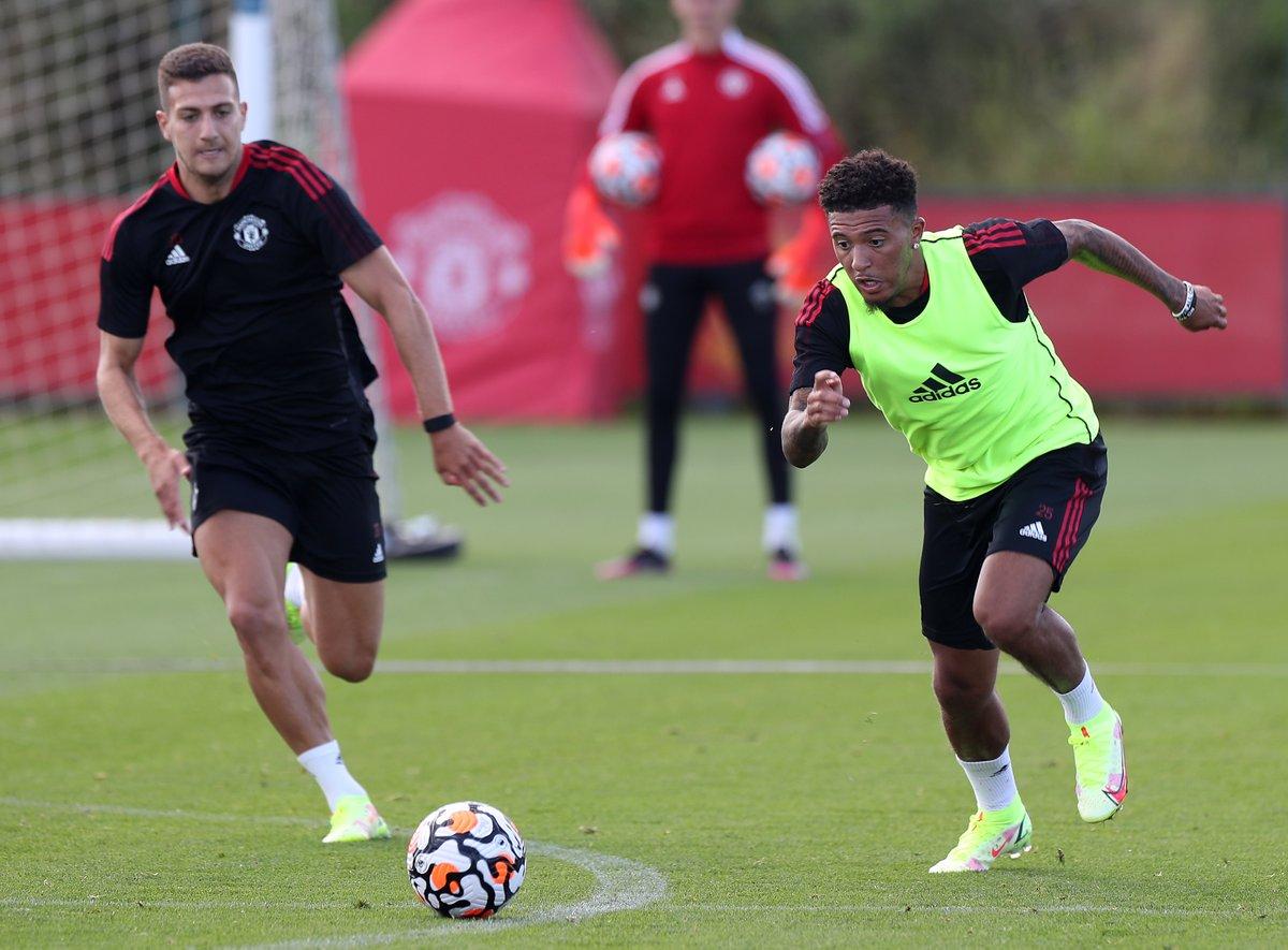Sancho (ขวา) ที่สนามฝึกซ้อมของ Man Utd เมื่อวันที่ 13 สิงหาคม  ภาพ: ManUtd.com