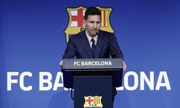 Messi trong bài phát biểu chia tay Barca hôm 8/8. Ảnh: EFE