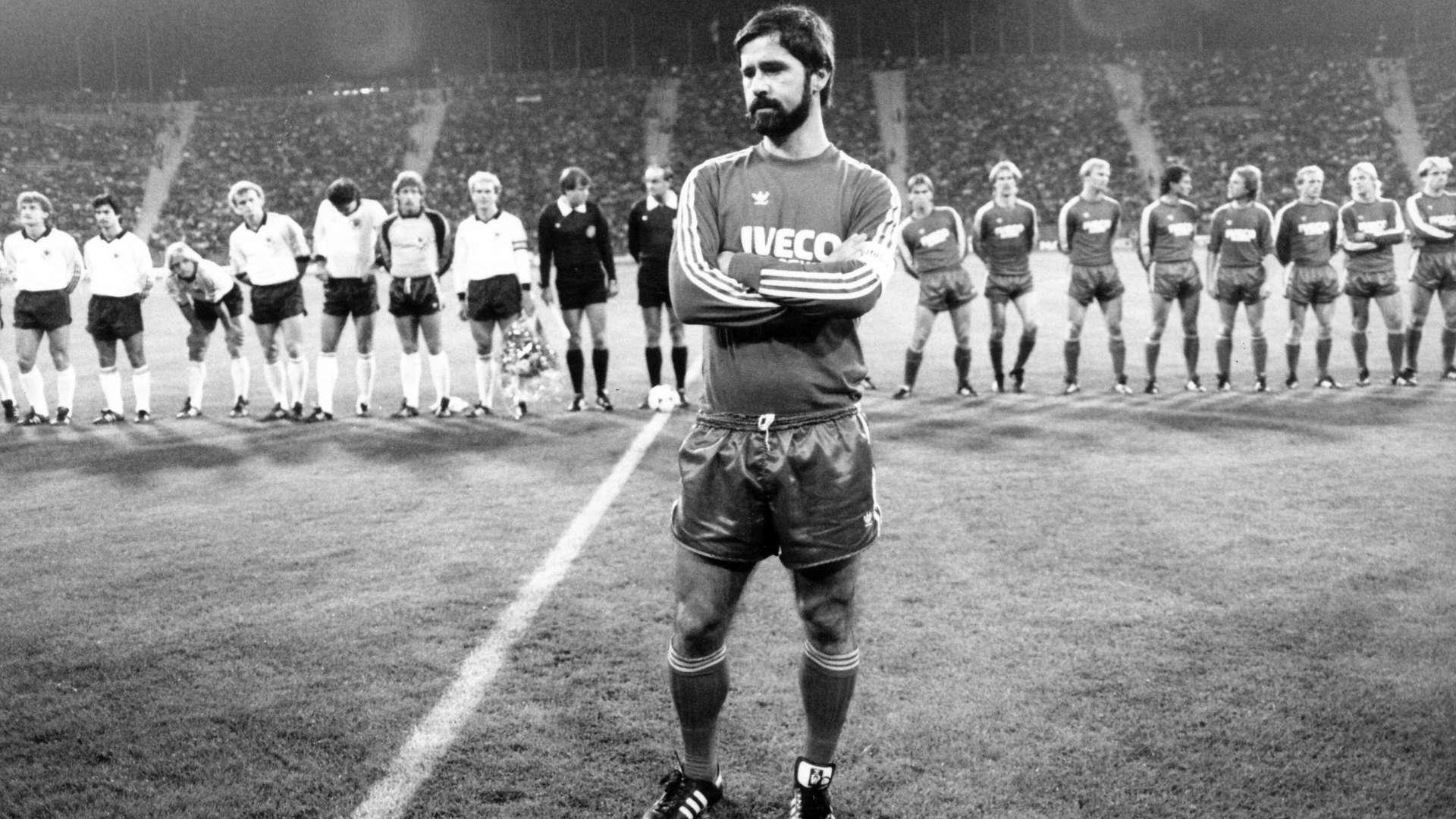 Muller từng đoạt 14 danh hiệu cùng Bayern, trong đó có ba Cup C1. Ảnh: imago