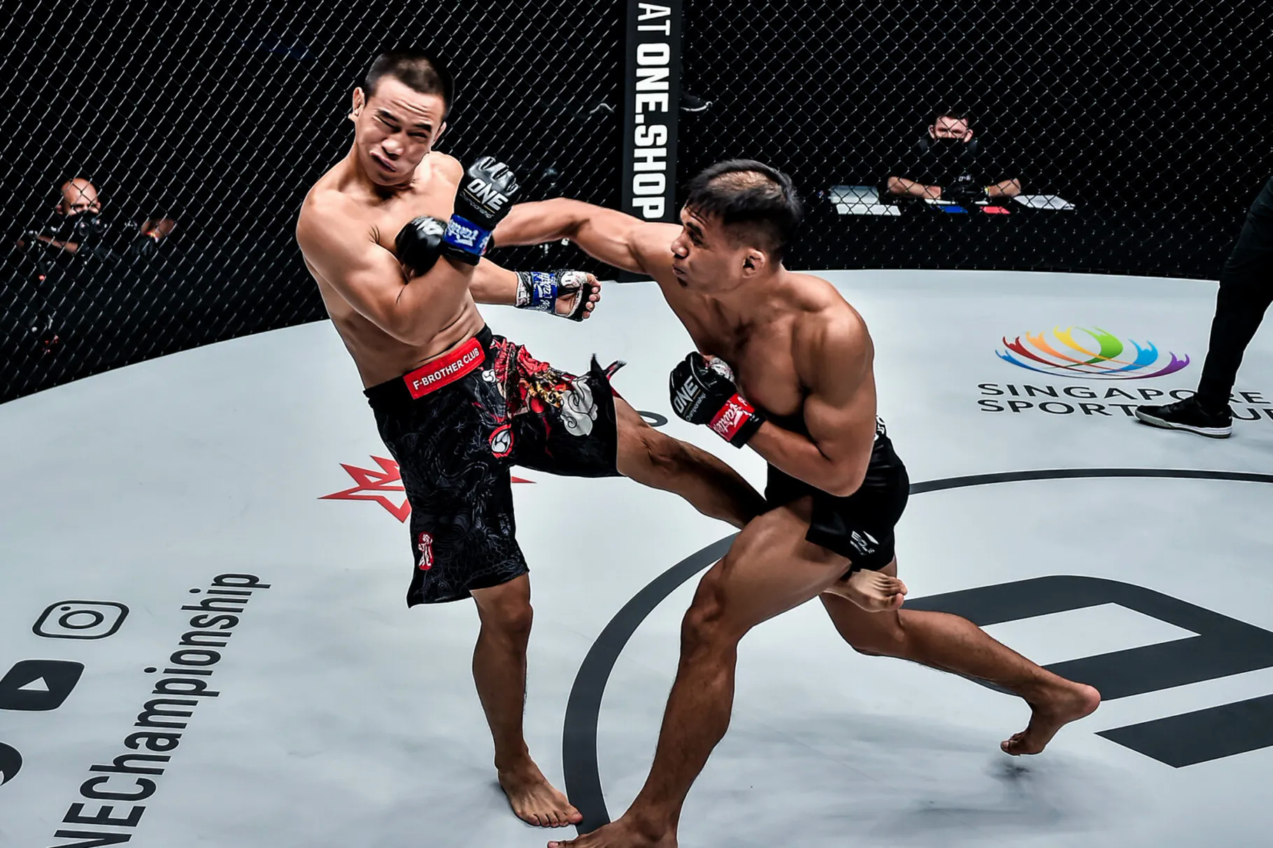 Saputra in Peng Shuai knock-out situation.  Photo: One Championship