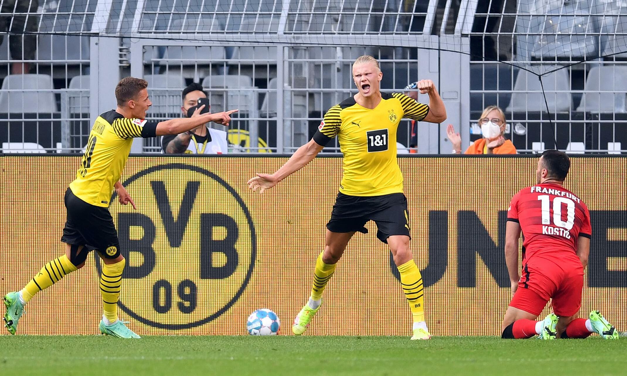 Trong hai trận đầu mùa giải 2021-2022 ở Cup Đức và Bundesliga, Haaland ghi dấu giày vào sáu bàn. Ảnh: dpa