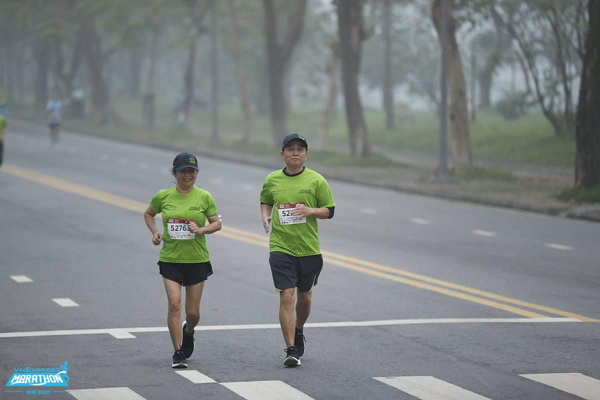 Runner on the track running VM Hue 2020. Photo: VM