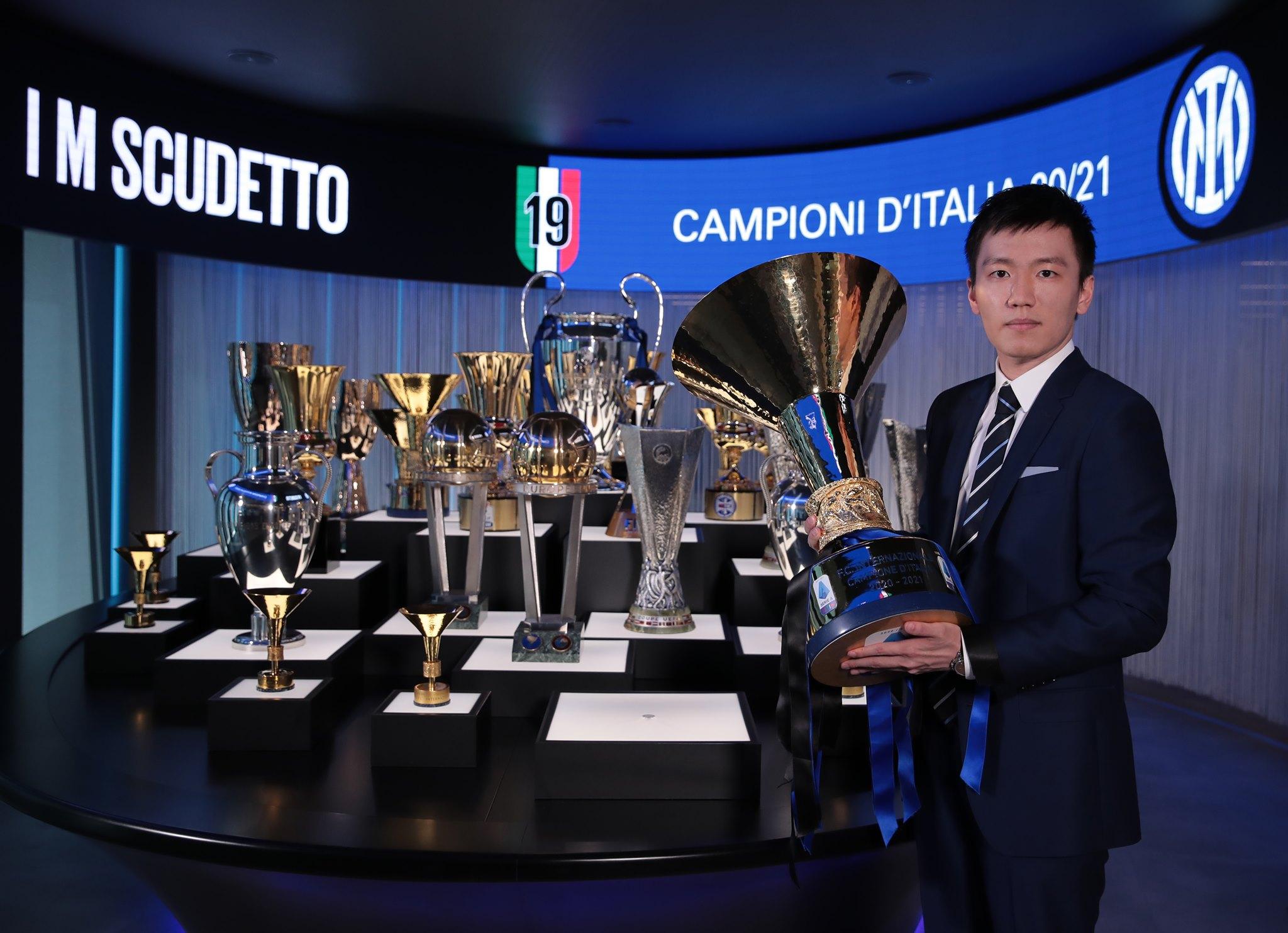 Chủ tịch Steven Zhang thay mặt Suning điều hành Inter từ 2016, và mới đạt thành tựu lớn nhất với sucdetto mùa vừa qua. Ảnh: Inter.it