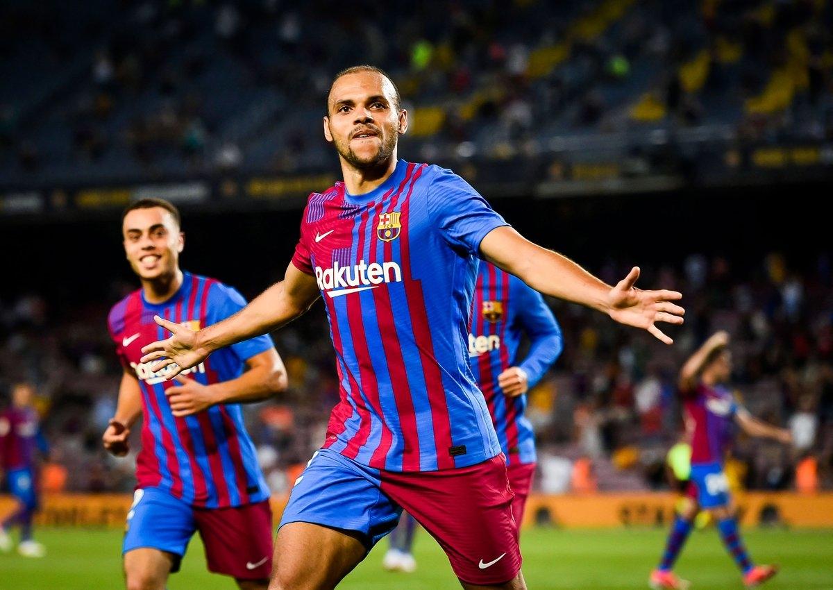 การแข่งขัน Barca เอาชนะ Sociedad 4-2 มีส่วนทำให้หกประตูสู่สถิติ 22 ประตูในรอบแรกของลาลีกา  ภาพ: สำนักข่าวรอยเตอร์