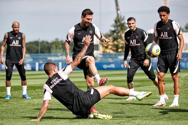 Messi đang nỗ lực tập với đồng đội mới để sớm trở lại sân cỏ. Ảnh: PSG.