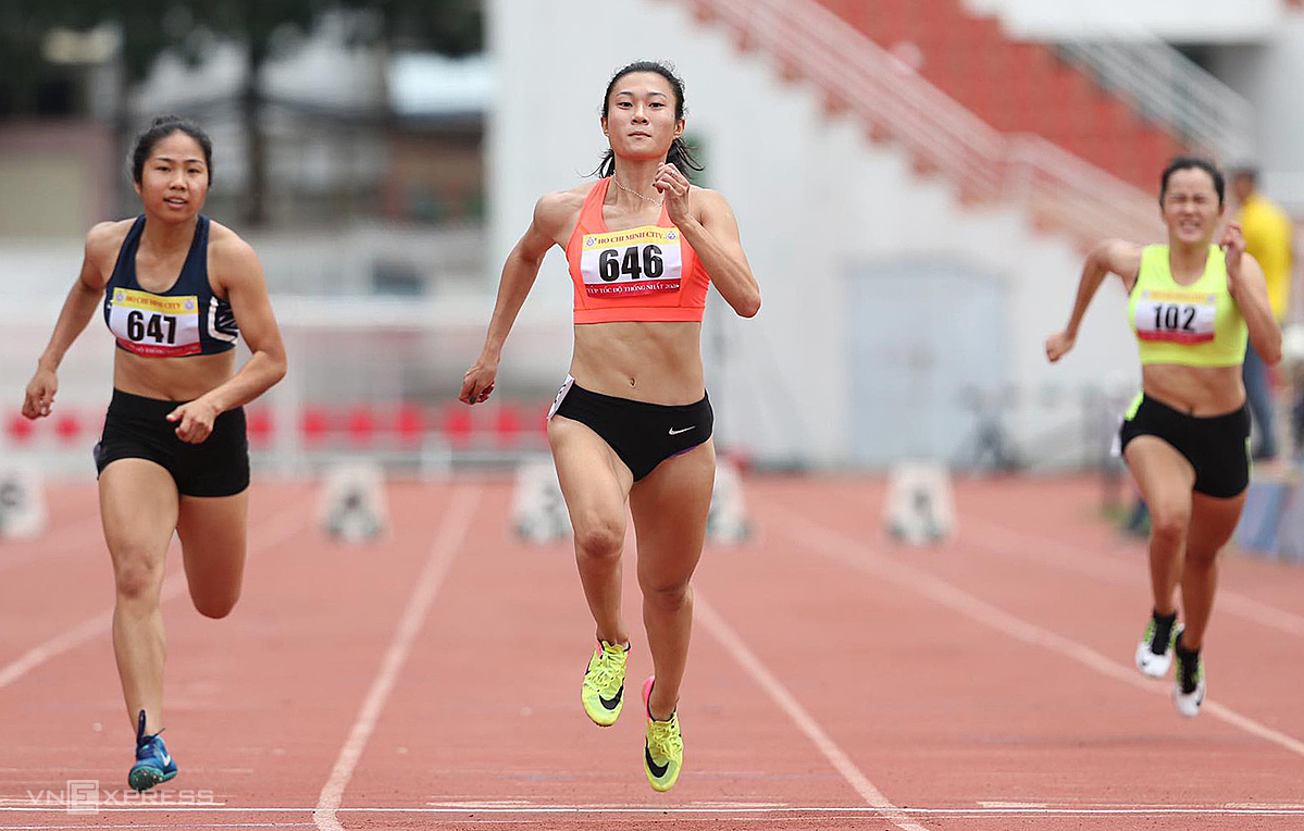 Tu Chinh is known as the speed queen of Southeast Asia thanks to her achievement of winning two consecutive gold medals at the 2017 and 2019 SEA Games. Photo: Duc Dong.