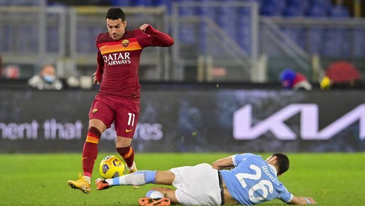 Pedro (số 11) trong trận derby thành Rome mùa trước. Ảnh: Lapresse