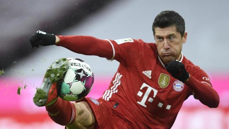 Lewandowski muốn tìm thử thách mới, nhưng sẽ không ra đi bằng mọi giá, theo Sky Sports. Ảnh: dpa