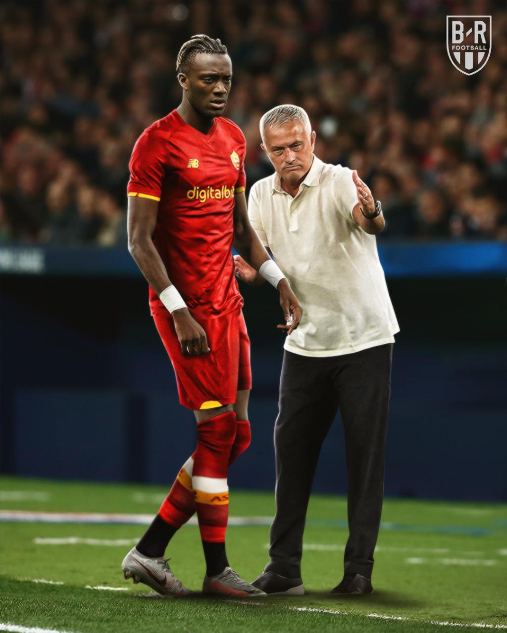 Mourinho và tân binh Abraham được kỳ vọng sẽ giúp Roma tạo bất ngờ trên dường đua scudetto mùa mới. Ảnh: BR