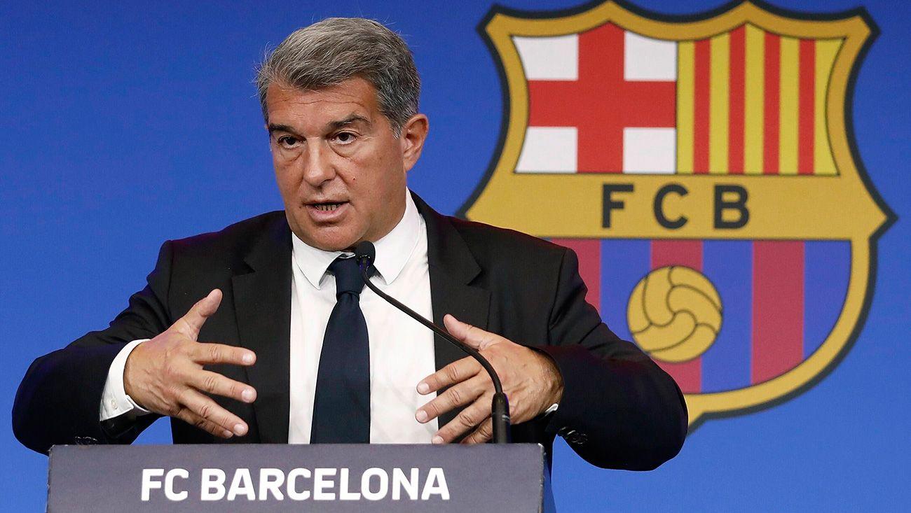 Laporta được cho là sẽ chi 116 triệu USD để trả lương cầu thủ, rồi dùng số tiền vay được còn lại để xử lý các khoản nợ cần thanh toán trước tháng 6/2022 và thanh toán những khoản tồn đọng từ các vụ chuyển nhượng trước đây. Ảnh: FC Barcelona
