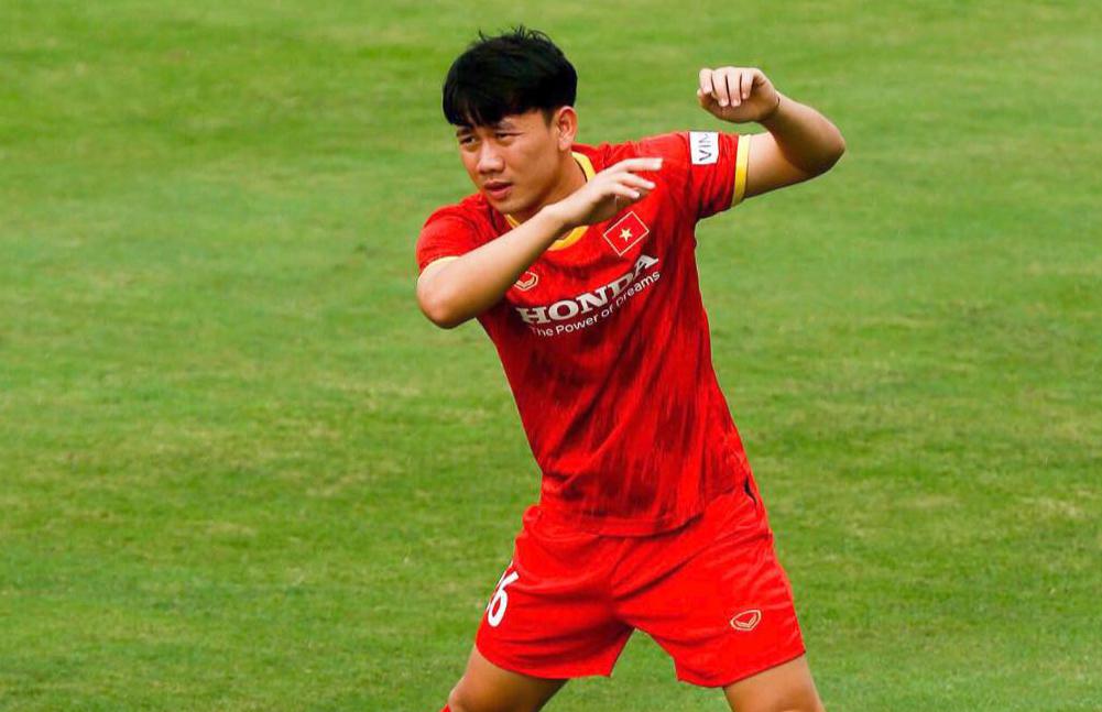 Với chấn thương đang gặp phải, tiền vệ Trần Minh Vương bỏ ngỏ khả năng sang Saudi Arabia cùng tuyển Việt Nam. Ảnh: Nhật Đoàn