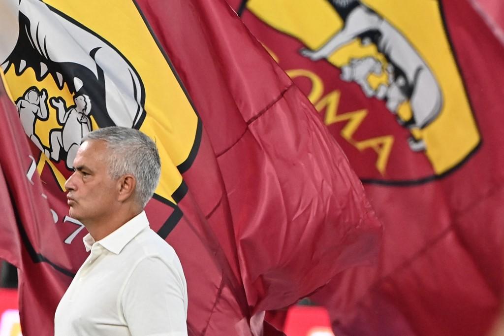 Mourinho ra mắt hoàn hảo trong trận đầu tại sân Olimpico. Ảnh: AFP