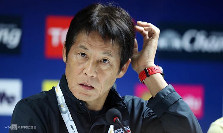 """นิชิโนะ ซึ่งเคยพาทีมญี่ปุ่นเข้ารอบ 16 ทีมฟุตบอลโลก ล้มเหลวอย่างสิ้นเชิงเมื่อเขามาประเทศไทย  ภาพถ่าย: """"Duc Dong ."""""""