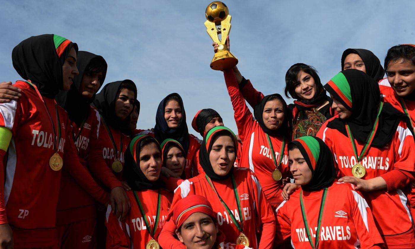 Đội tuyển nữ Afghanistan đã bay khỏi Kabul và được an toàn. Ảnh: Reuters.