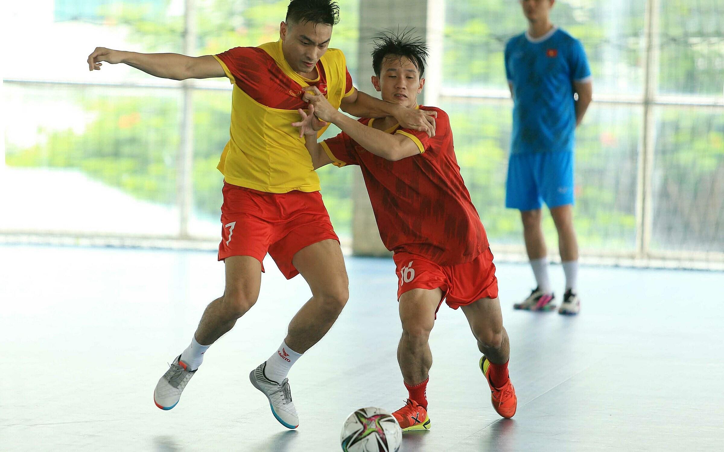 Các cầu thủ futsal Việt Nam sẽ có khoảng năm trận giao hữu tại châu Âu trước khi bước vào tranh tài ở VCK FIFA Futsal World Cup 2021. Ảnh: Đoàn Huynh