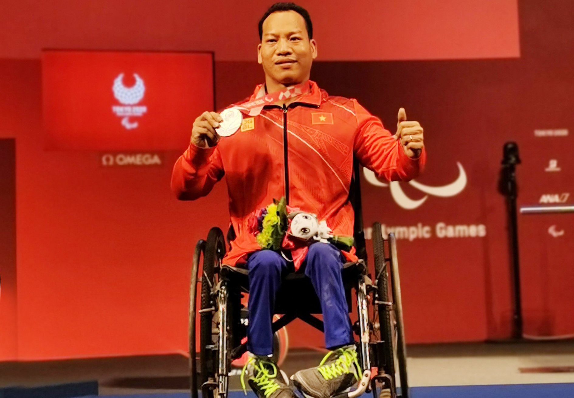Le Van Recognition of silver medal at the Tokyo 2020 Paralympic Games, Japan.  Photo: TTVN Union