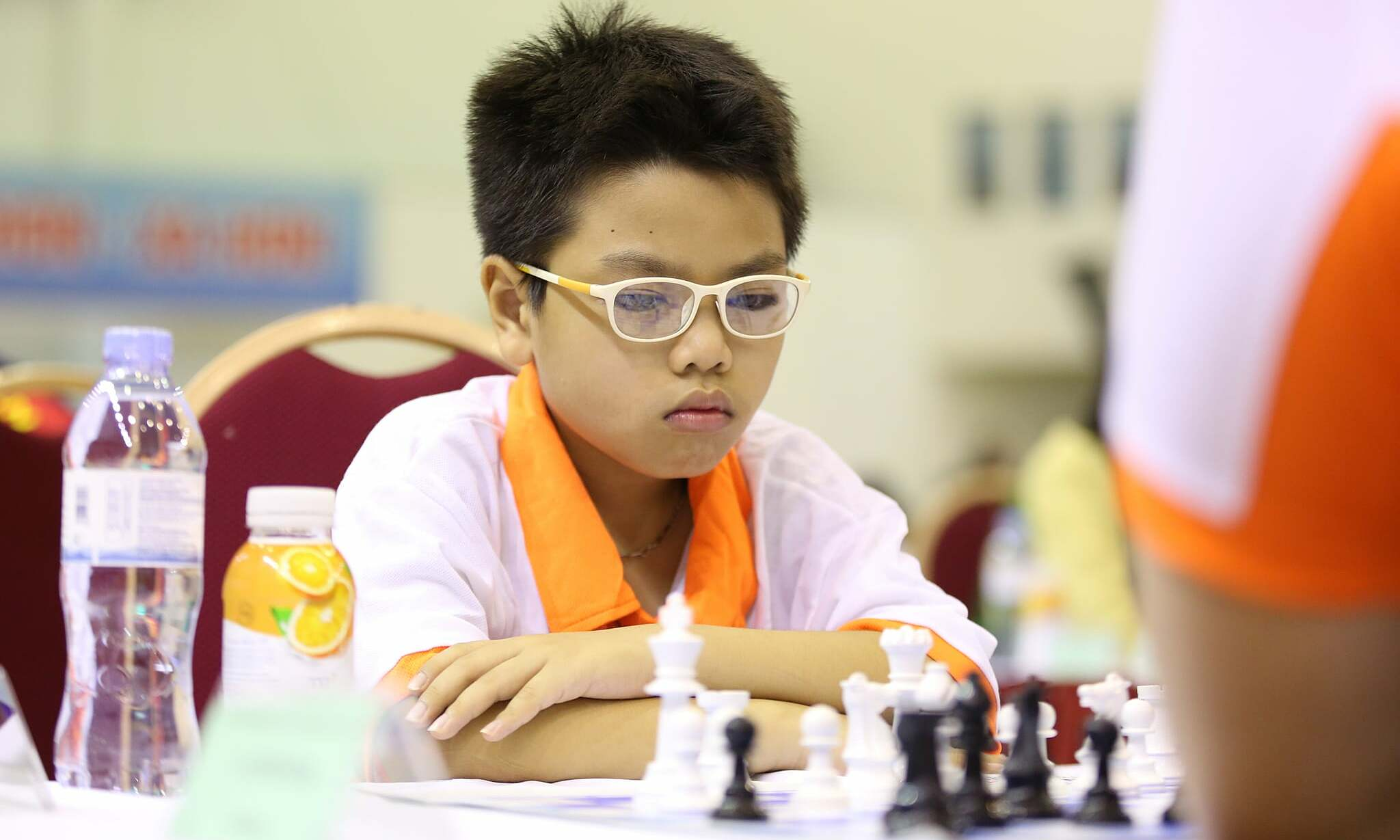 Player Dau Khuong Duy competes in the national chess tournament in 2020. Photo: Xuan Binh