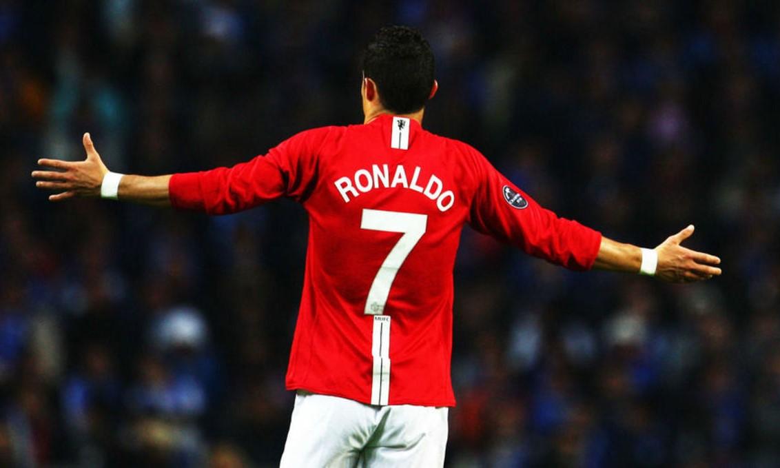 ชื่อของโรนัลโด้เชื่อมโยงกับเสื้อหมายเลข 7 และชื่อเล่น CR7  ภาพ: สำนักข่าวรอยเตอร์