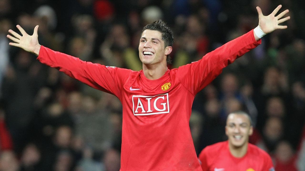 Ronaldo mừng hat-trick vào lưới Newcastle hơn 13 năm trước. Ảnh: EPL