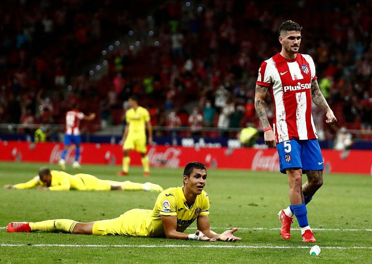Mandi đánh đầu phản lưới ở phút cuối, khiến Villarreal vuột chiến thắng. Ảnh: Twitter