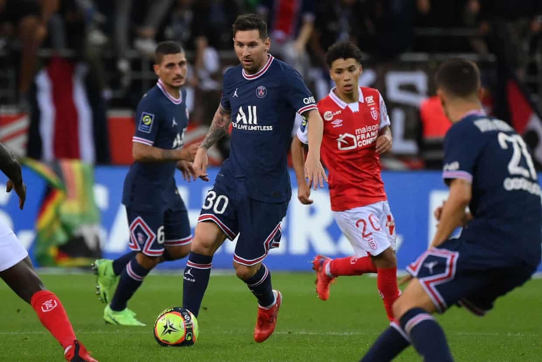 Messi chưa kịp để lại nhiều dấu ấn trong trận ra mắt PSG. Ảnh: AFP