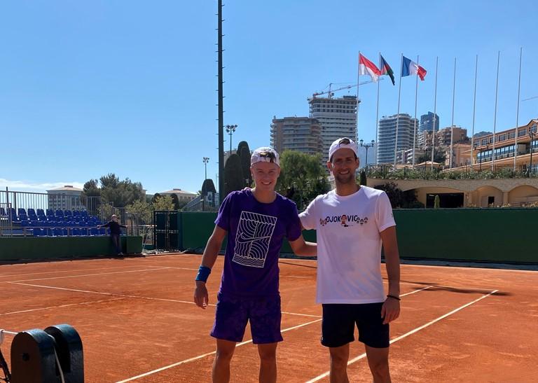 Rune từng tập cùng Djokovic tại Monte-Carlo năm nay. Ảnh: Instagram
