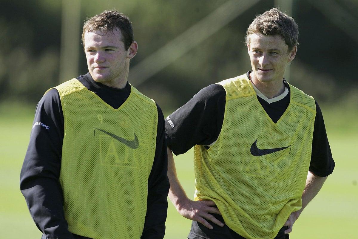 Rooney và Solskjaer thời còn là đồng đội ở đội một Man Utd dưới trướng Alex Ferguson năm 2007. Ảnh: AFP