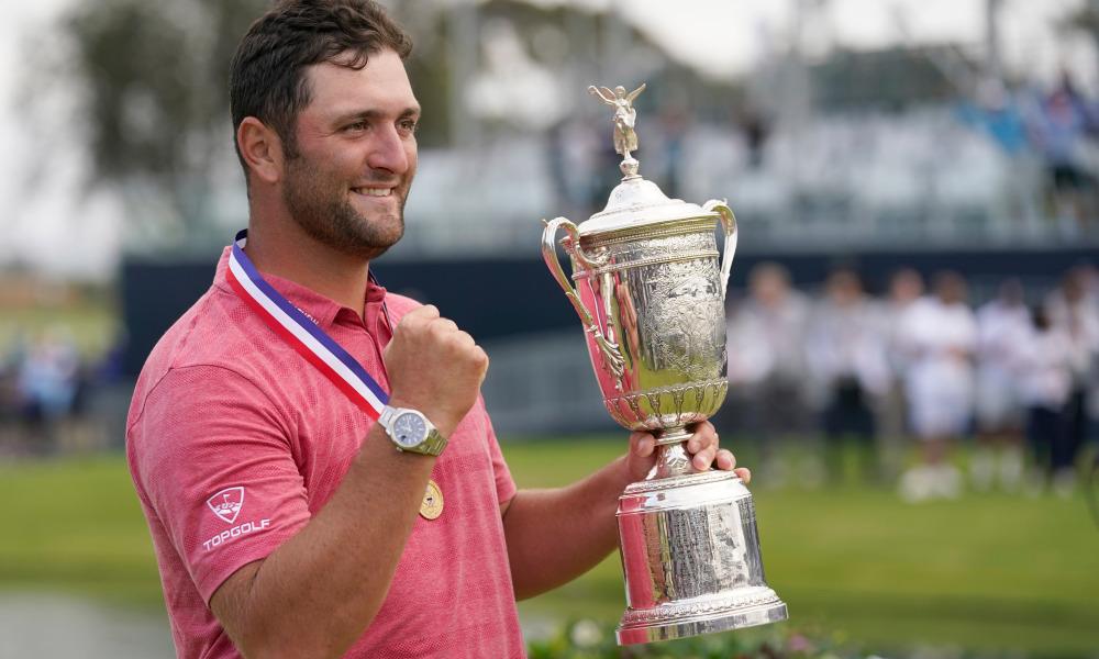 Rahm nâng cúp vô địch major US Open 2021 hôm 20/6. Ảnh: USA Today