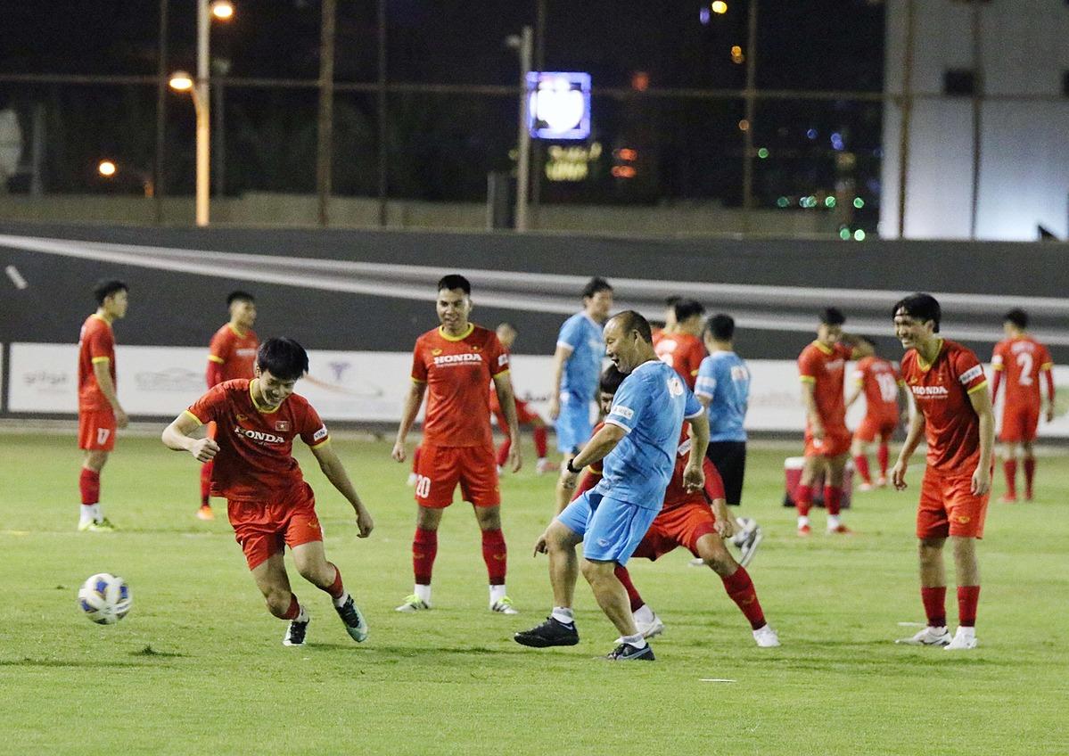 Thầy trò HLV Park Hang-seo đã tập luyện suốt một tháng qua, trước khi chơi trận đầu tiên ở vòng loại World Cup 2022. Ảnh: VFF