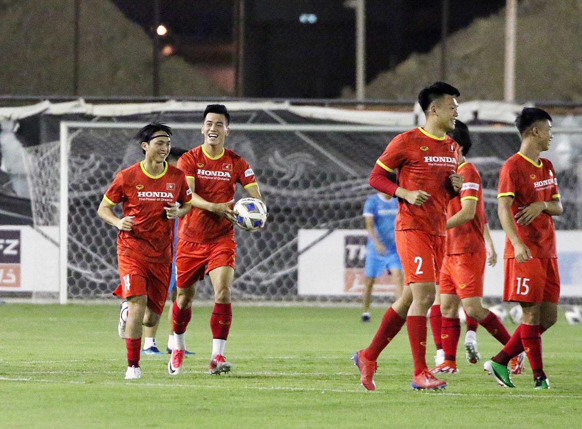 Dù không có được lực lượng tốt nhất, các cầu thủ Việt Nam vẫn rất tự tin hướng đến trận đấu với Saudi Arabia. Ảnh: VFF