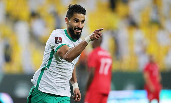 Trung phong Saleh Al-Shehri mừng bàn thắng của Saudi Arabia vào lưới Palestine ở vòng loại thứ hai World Cup 2022 khu vực châu Á ngày 30/3/2021. Ảnh: Reuters