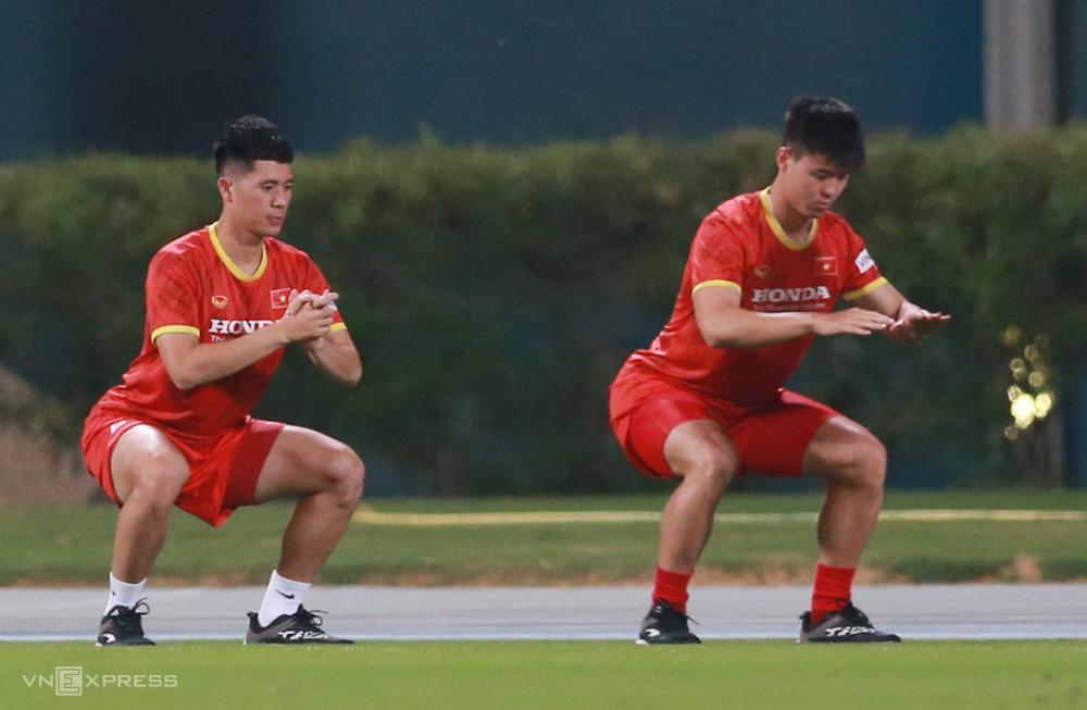 HLV Park Hang-seo đau đầu với bài toán nhân sự hàng thủ khi Đình Trọng (chấn thương) và Duy Mạnh bị treo giò. Ảnh: Lâm Thoả