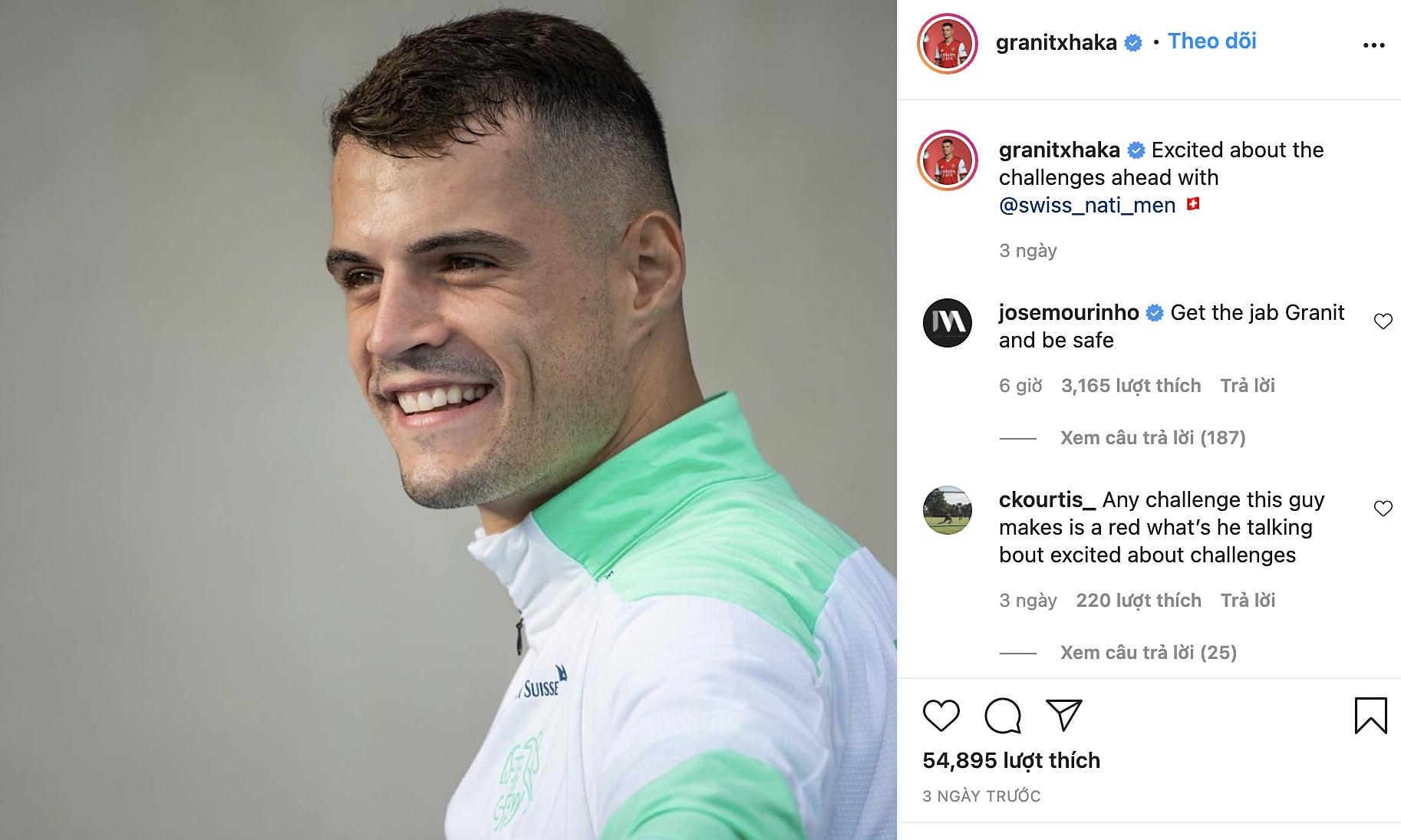 Mourinho khuyên Xhaka tiêm vaccine sau khi anh dương tính với nCoV. Ảnh: chụp màn hình