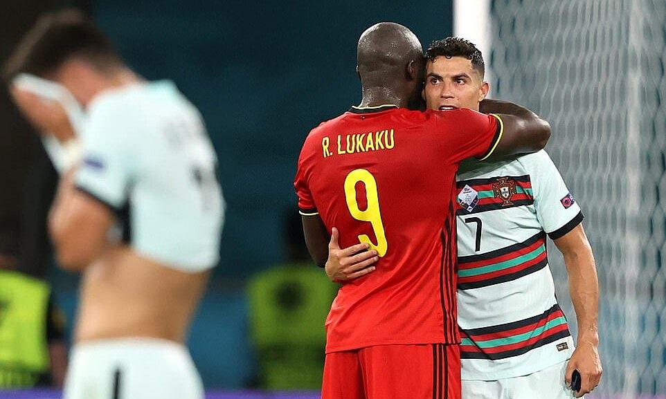 Ronaldo vừa lập kỷ lục ghi 111 bàn cho Bồ Đào Nha, còn Lukaku có 66 bàn sau 99 trận cho Bỉ. Ảnh: Sky