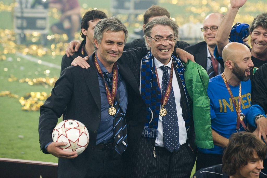 Moratti đưa Mourinho về Inter hè 2008 và cùng nhau lên tột đỉnh vinh quang với cú ăn ba Champions League - Serie A - Cup Italy mùa 2009-2010. Ảnh: alamy