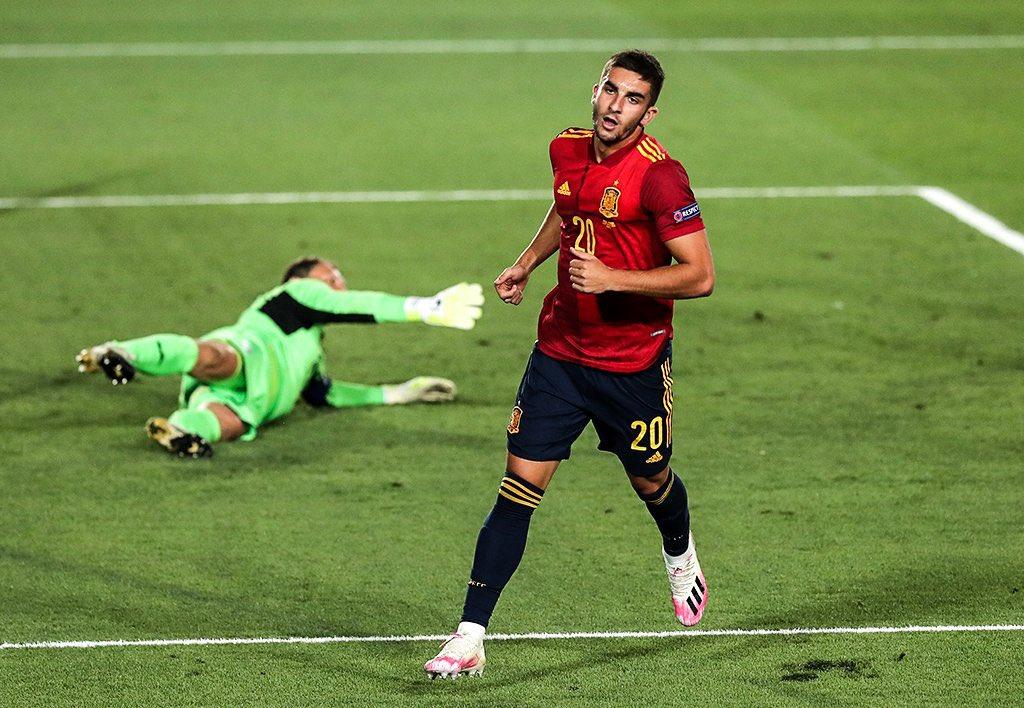 Tây Ban Nha áp đảo với 13 cú dứt điểm cả trận. Ảnh: Marca